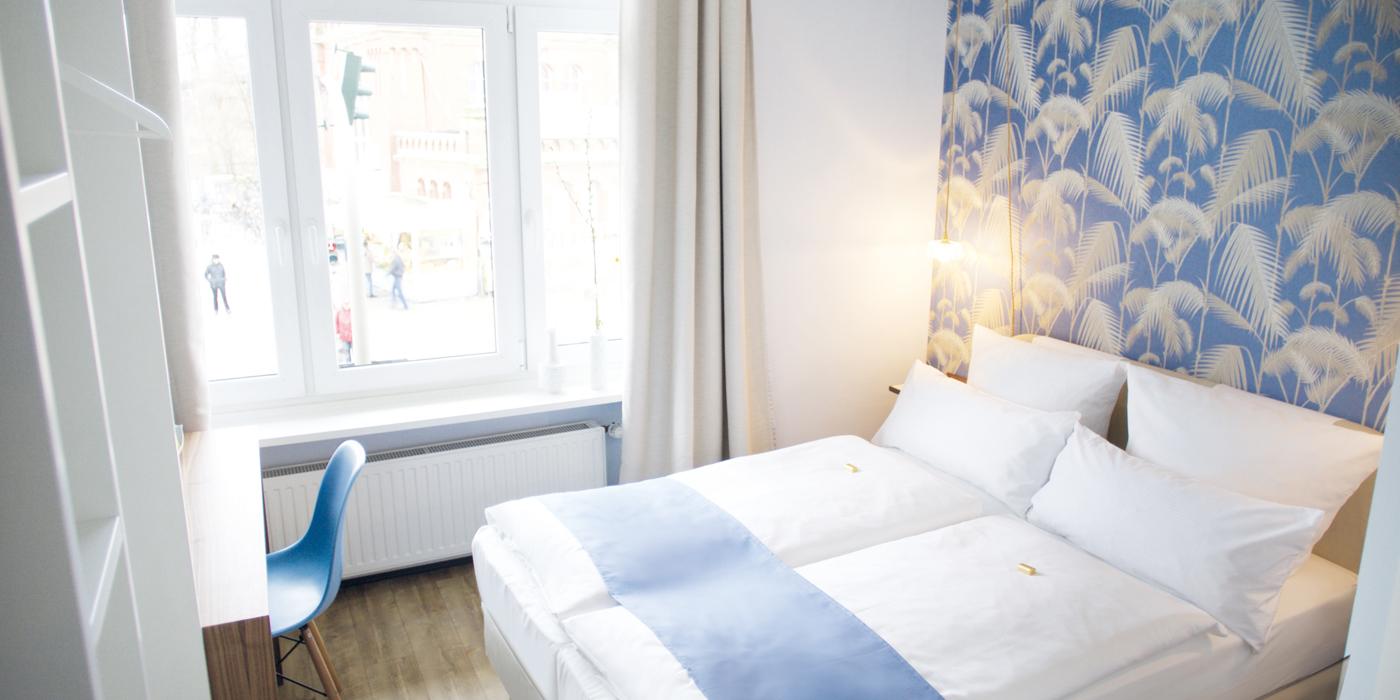 fritz im pyjama hotel hamburg. Black Bedroom Furniture Sets. Home Design Ideas